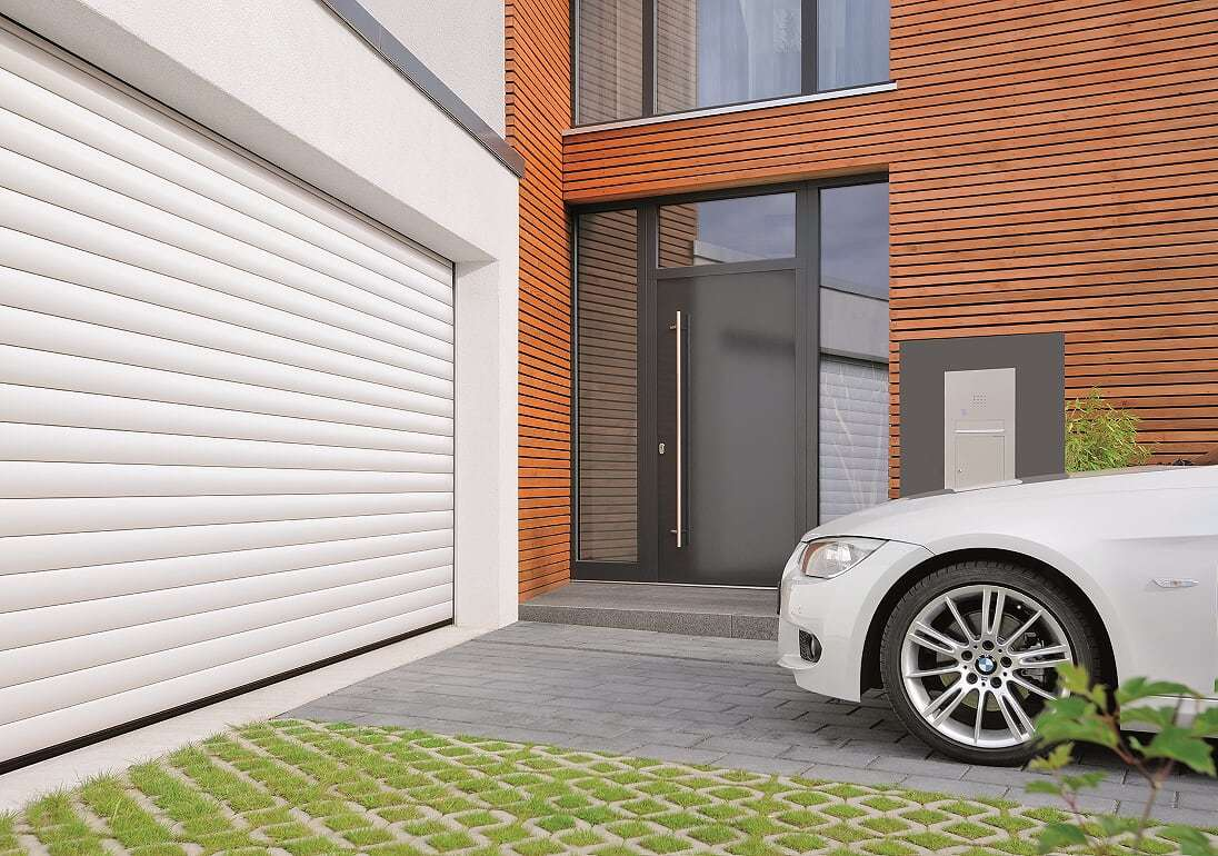 PORTES DE GARAGE ENROULABLES ROLLMATIC - Image N°7 Porte de garage enroulable ROLLMATIC coloris Blanc